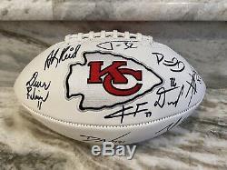 2019 2020 Kansas City Chiefs Super Bowl LIV Équipe Signé Football No Reserve