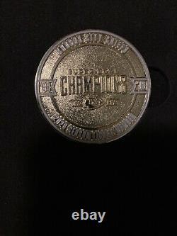 Kansas City Chiefs 2020 Saison Tix Membre Boîte-cadeau Super Bowl Champs Drapeau Coin
