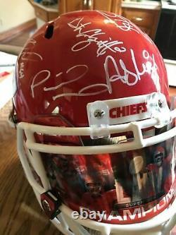 Kc Chiefs Super Bowl LIV Champs Team Signé Casque Mahomets, Kelce, Hill, Reid +22