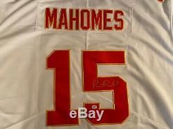 Patrick Mahomes Signé Chefs Autograph Kc Jersey Blanc (coa) Super Bowl